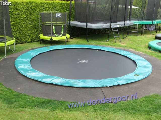 Exit Supreme ground Level 305 trampoline