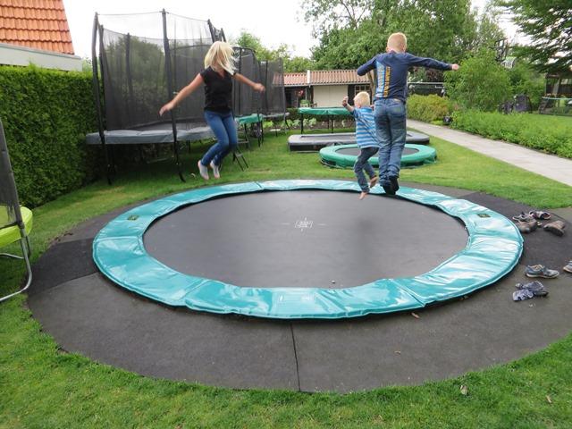 Exit Supreme Ground Level 427 trampoline