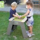 Aksent zand - water & picknicktafel