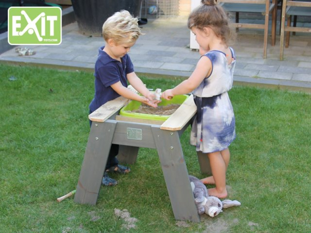 Aksent zand - water & picknicktafel