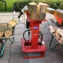 Houtkloofmachine huren van 8 Ton