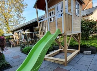 Speelhuisje Exit Loft 700 special voor de smallere tuin
